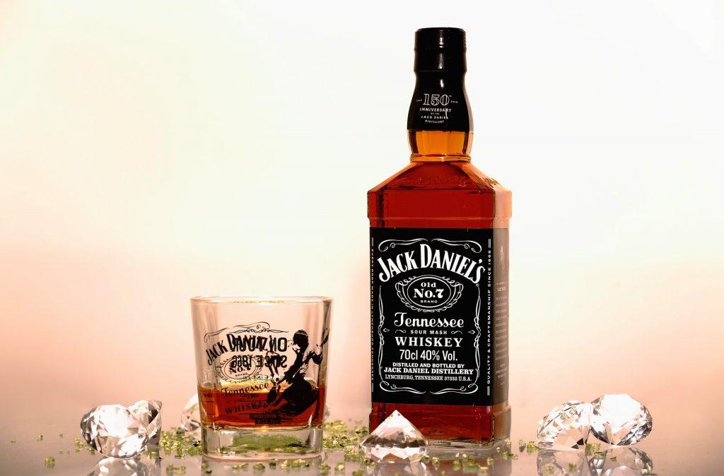 違い の ブランデー ウイスキー と